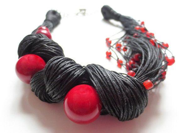 Perline rosso noce di Tagua Indo-Pacifico vetro nero di ReTeTeer