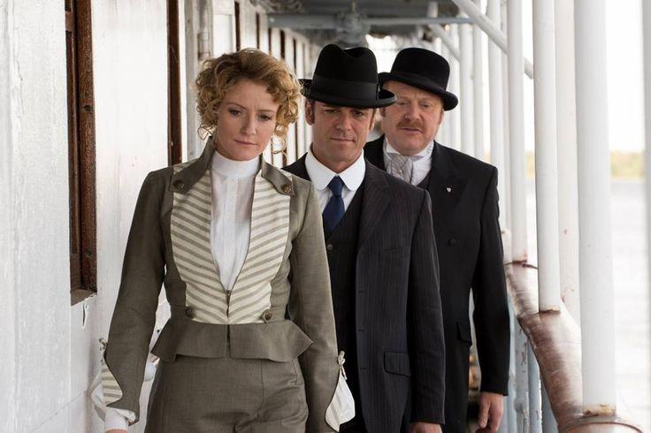 Dr. Ogden (Hélène Joy), Det. Murdoch (Yannick Bisson) and Brackenreid (Thomas Craig)