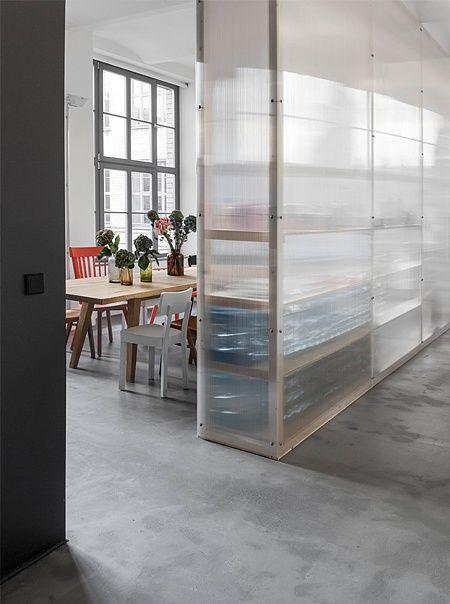 office - berlin - chocolate factory - industrial - loft - concrete - historic vaulted ceilings - black kitchen - oak - wood - kitchen table - komdo.co - chairs - transparent - Büro - Flur - Küche - Eiche - Holz