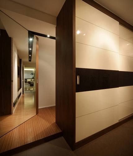 Modern Sliding Doors For Closet: Concepts In Wardrobe Design. Storage Ideas, Hardware For