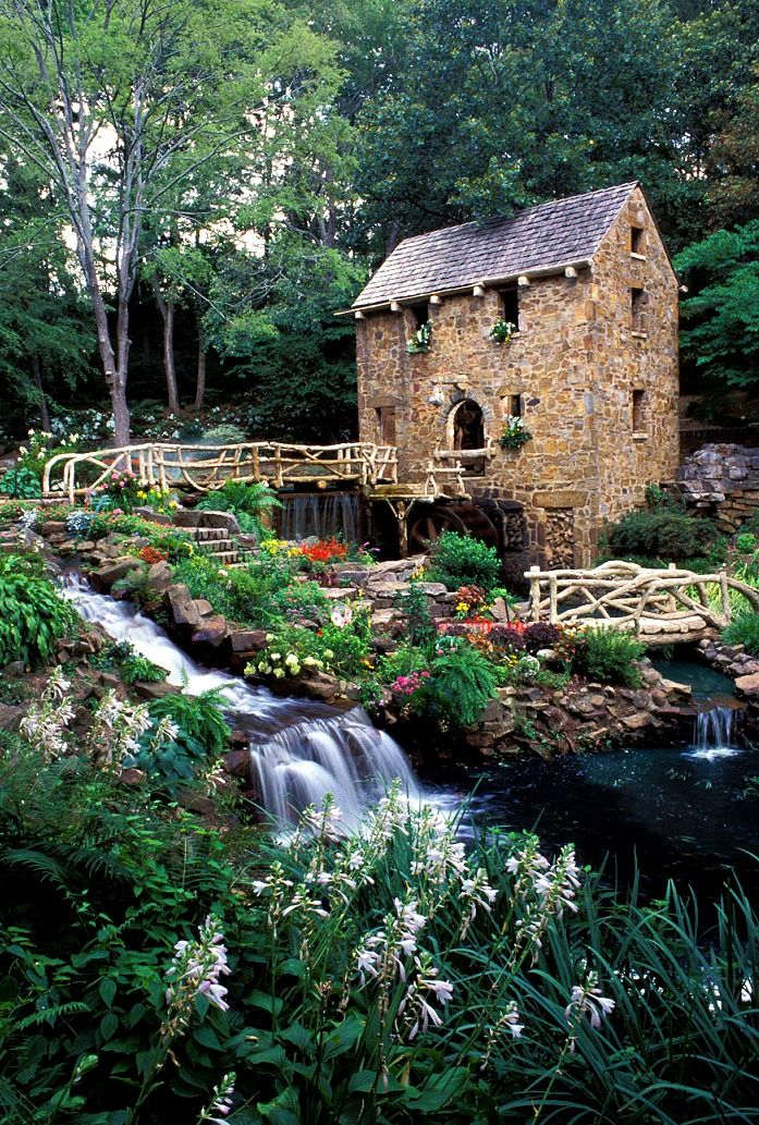 """The Old Mill in Little Rock, #Arkansas is ahistoric re-creation of an 1880's water-powered grist mill. It is in the opening scenes of the classic movie """"Gone WithThe Wind."""" and features sculptures by Senor Dionicio Rodriguez. http://www.northlittlerock.org/entries.aspx?id=233"""