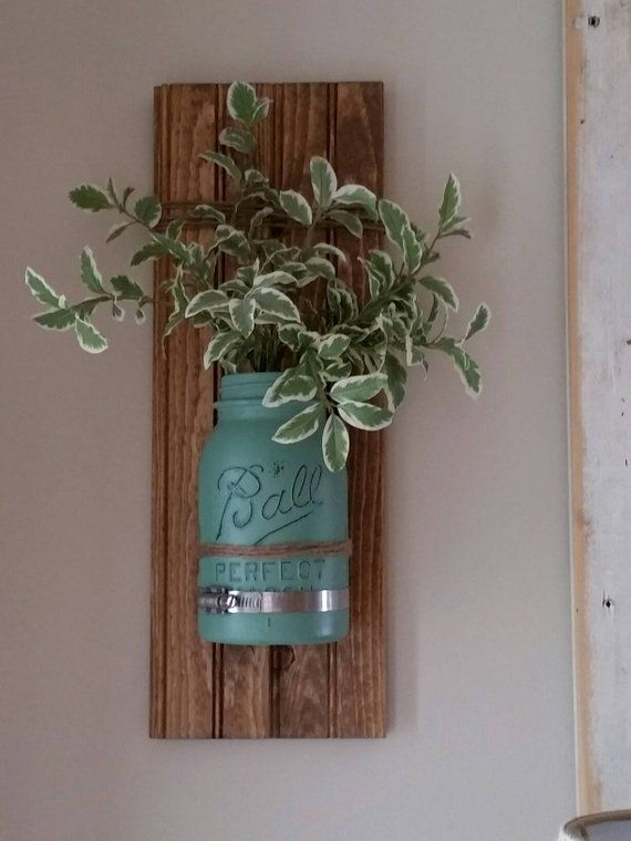 Pin By Dorothy Lancaster On Decoracao Acessorios In 2020 Mason Jar Decorations Decorated Jars Hanging Wall Vase