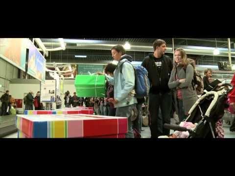 Highlight-Projekt 2011 für unseren Kunden Frankfurt-Hahn Airport: 180 Passagiere wurden mit hochwertigen Geschenken von Medion, Sennheiser, Ernsting's Family u. v. m. am Gepäckband überrascht.
