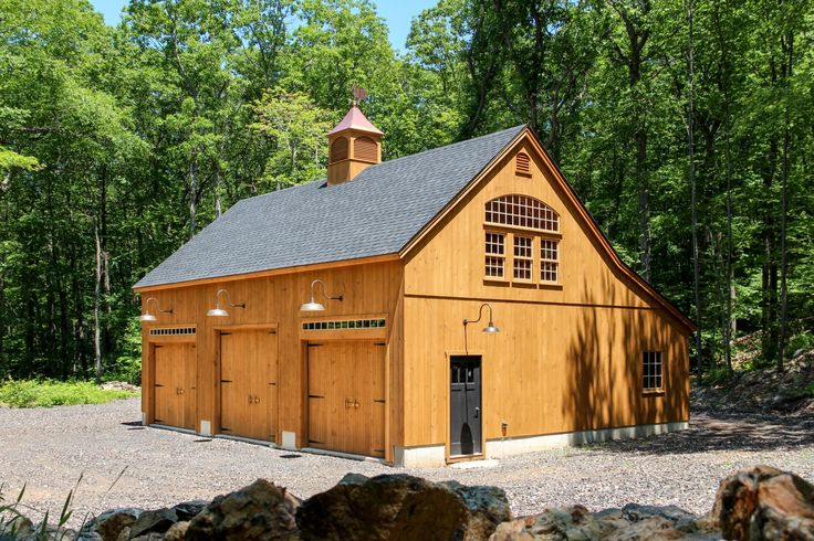 Best 25 barn garage ideas on pinterest barn shop pole for 32x40 garage plans