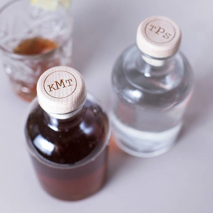Personalised circular monogram drink decanter | hardtofind.