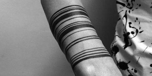 Increibles Tatuajes minimalistas SI estas pensando en hacer un Tatuaje quizás quieras revisar antes el trabajo de Stanislaw Wilczynski un artista del tatuaje Ruso, que ha hecho realidad los sueños de muchos Millennials con sus tatuajes minimalistas y que están... #geek #millennials #tatuajes