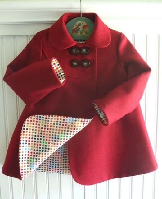 Love red. Love spots. A lovely coat. Make it yourself- pattern from DMK easy wear www.etsy.com/... Wow!