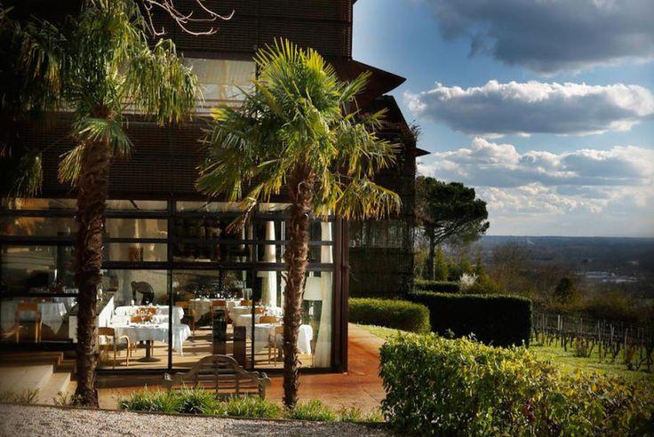 Département Gironde, Region Aquitanien. Entdecken Sie mit Bontourism® die gesamte Kunst des Reisens sowie das aussergewöhnliche Hotel der Kette Relais & Châteaux Saint James Bouliac, wo sich Design und Natur im Herzen der Bordelaiser Weinberge treffen!