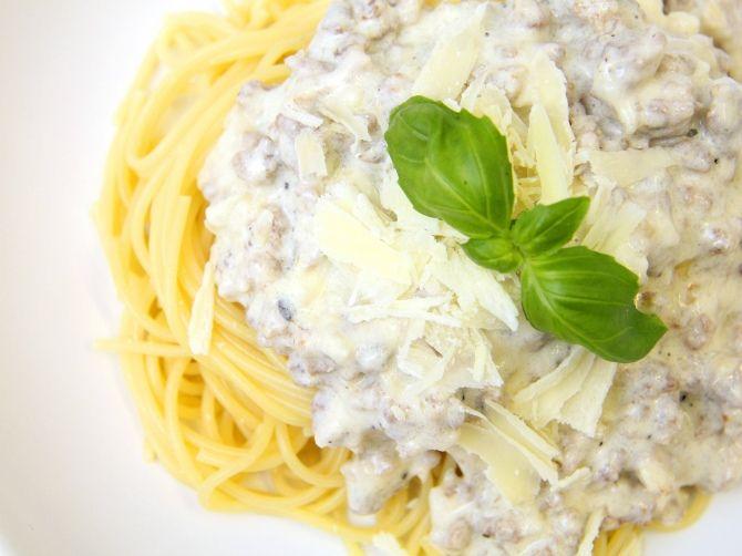 Krémsajtos-húsos spagetti recept