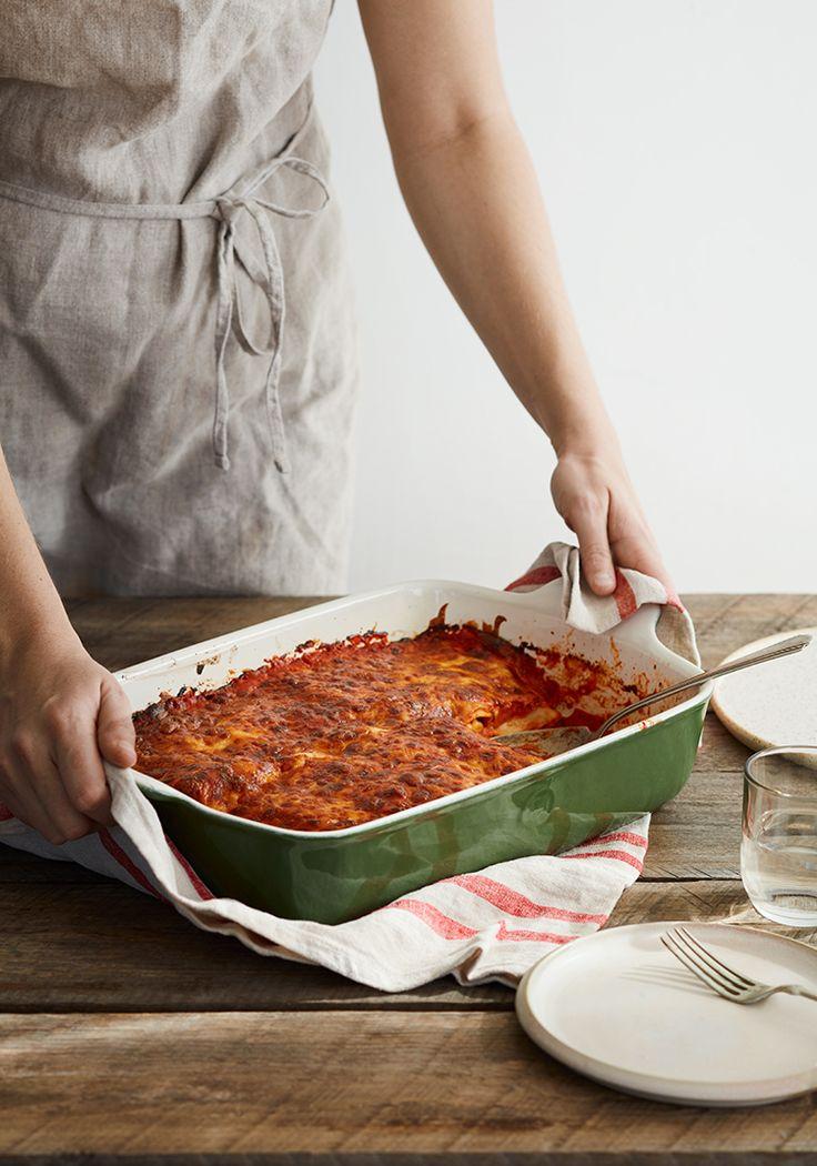 L'avantage des pâtes Catelli Express®, c'est qu'elles se cuisent directement au four, ce qui nous fait économiser temps et énergie lors de la préparation des repas. C'est vraiment l'idéal quand on cuisine une lasagne.