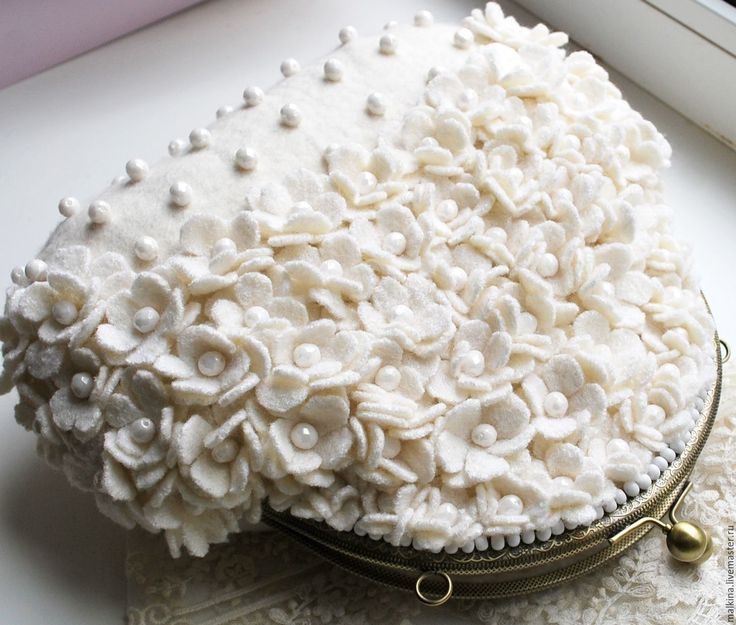 Купить Валяная сумочка Первоцветы - белый, белая сумочка, валяная сумка, светлая сумка