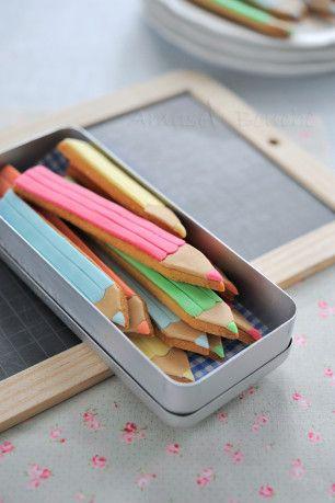 biscuits en formes de crayon....et pourquoi pas en forme de ciseaux gommes etc...