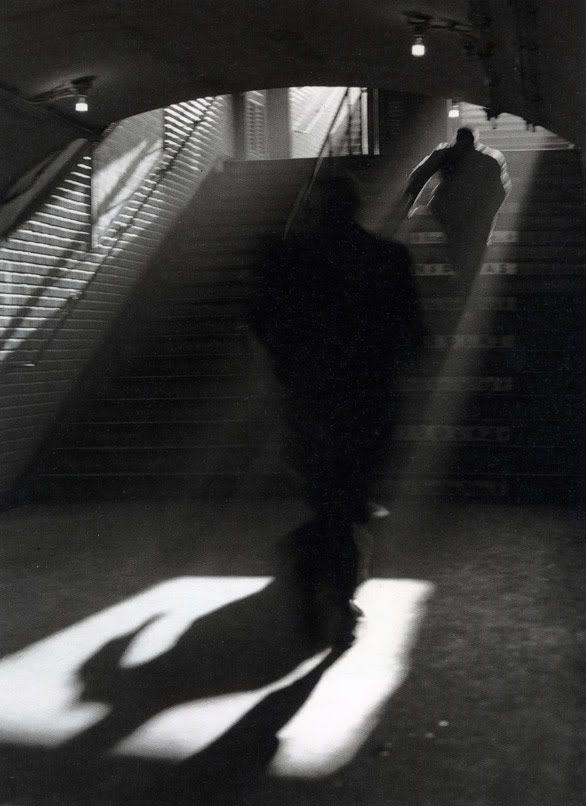 sortie paris 1955 / sabine weiss