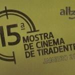 """Há uma semana eu estava na 16ª Mostra de Cinema de Tiradentes, primeiro evento do ano que prestigia a sétima arte no brasil. O tema foi """"Fora de Centro"""", pois muitas produções foram feitas fora do eixo Rio - São Paulo trazendo um ponto de vista diferente de vários produtores de outros estados do país. Como sempre teve muita experimentação, algumas animações, documentários divulgando cenários brasileiros e abordando temas da nossa cultura.  A cidade nessa época fica cheia de gente bonita e…"""