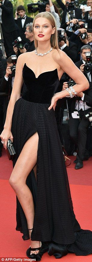 Toni Garrn risks a wardrobe malfunction in VERY revealing dress at Cannes Film Festival | Daily Mail Online