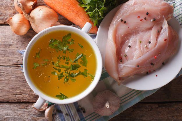 Лучшее лекарство от похмелья: как приготовить идеальный куриный бульон