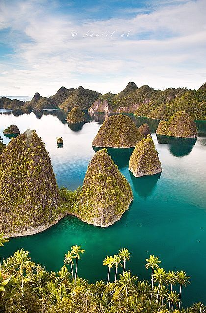 Sporadic island formations, sprinkled all over Papua, Nueva Guinea
