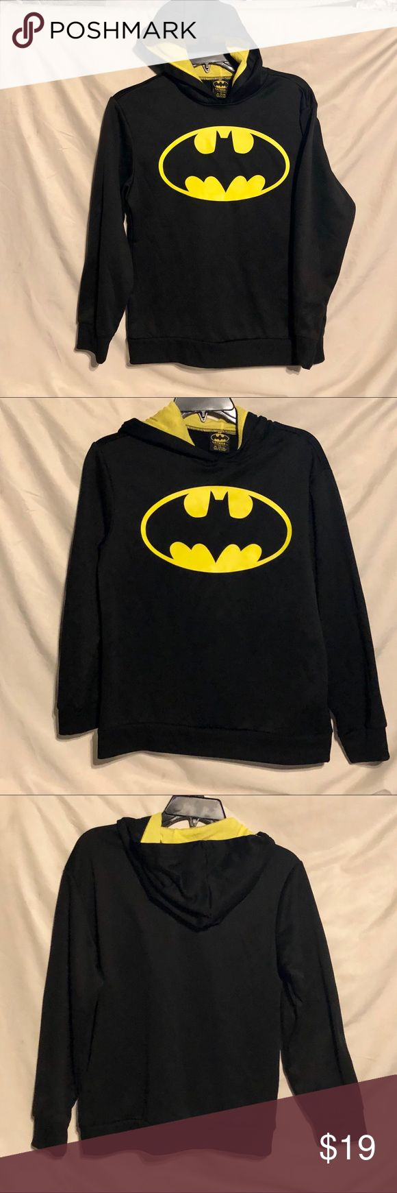 Batman Pullover Hoodie Black w Yellow Youth 14-16 This Hoodie is 100% Polyester, and it is in LIKE NEW Condition. It is Boy's 14-16. TM & DC Comics Batman Shirts & Tops Sweatshirts & Hoodies