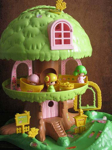 My heart still keeps a beat at the thought of playing with a Koeda Chan treehouse play set. #Asian #vintage #retro #toys #nostalgia #1980s