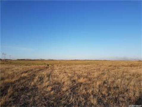 Province: Saskatchewan  Farm Type: Cash/crop  Total Acreage: 730.00  #Findyourdreamproperty