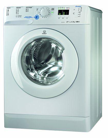 Samostatná pračka Indesit na 7 kg prádla s přehledným ovládacím panelem a 16 programy. Účinně vypere všechny druhy tkanin včetně sportovního prádla!