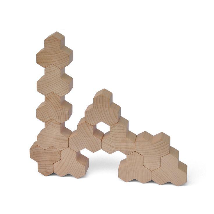 Suchst du ein ausgefallenes Geschenk? Hotz sind unbehandelte Bausteine für jedes Alter, die dazu auch noch verdammt dekorativ ausschauen.