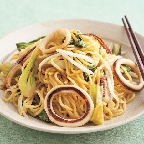 いかとチンゲンサイの焼きそば | 鈴木薫さんの焼きそばの料理レシピ | プロの簡単料理レシピはレタスクラブニュース
