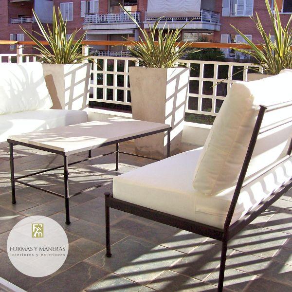 Sillones y mesa hierro con tapa de cemento muebles de for Sofa exterior hierro