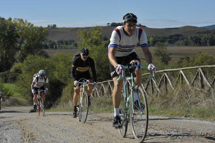 Scadrà lunedì 2 marzo, infatti, il termine per le preiscrizioni per gli uomini, italiani e stranieri, di età inferiore ai 65 anni.  Ecco le info utili per partecipare  http://www.mondociclismo.com/ciclismo-preiscrizione-a-leroica-2015-come-procedere20150226.htm  #ciclismo #mondociclismo #Eroica #ciclosturismo