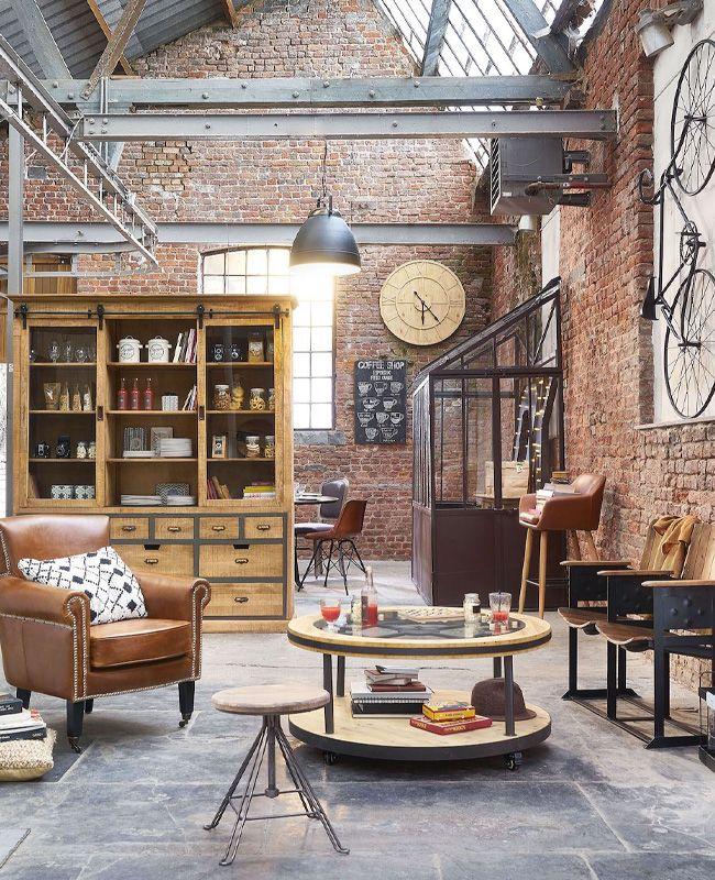 Une déco industrielle dans le salon | My Blog Deco | Décoration loft  industriel, Briquette de parement, Déco salon industriel