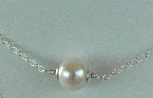 Perla Solitaria - Single Freshwater Pearl on Sterling Silver Necklace
