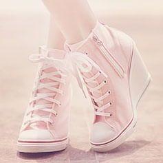 Una delle mie scarpe preferite... Non normali All Star... Non scarpe col tacco...