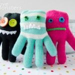 Glove Monsters. Cute for kids and could also be good hand warmers. Fill with rice and microwave.