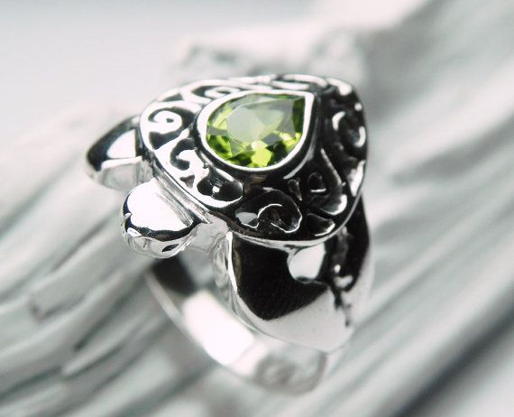 Turtle Ring  Sea Turtle Ring  Peridot Ring  by FantaSeaJewelry