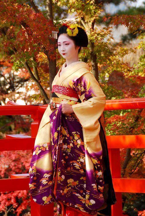 Maiko Kotomi (Gion Higashi). S)