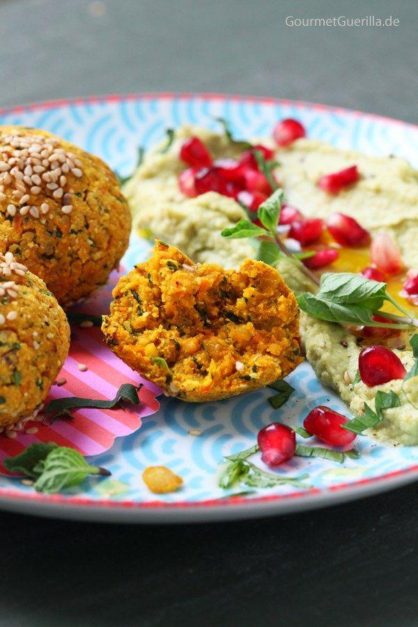 Süßkartoffel-Falafeln mit Avocado-Hummus und Granantapfel