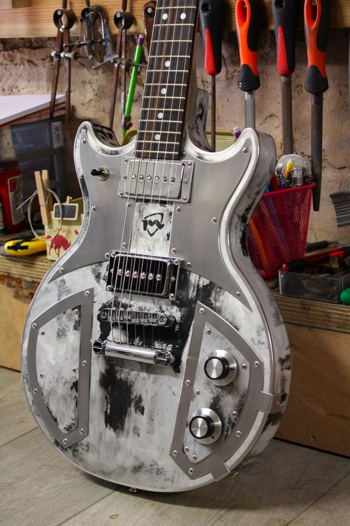 Barcelona Guitar Slot Machine