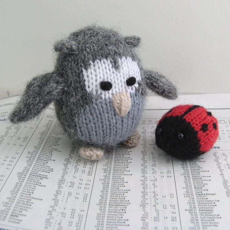 Cricklewood Owl and Jubilee Ladybird ... toy knitting pattern design by Amanda Berry #fluffandfuzz #knitting #knittedtoys #amandaberry