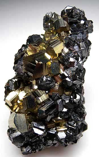 Sphalerite on Pyrite