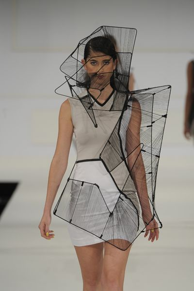 Fashion Architecture - 3D structures; wearable sculpture; sculptural fashion design // Richard Sun