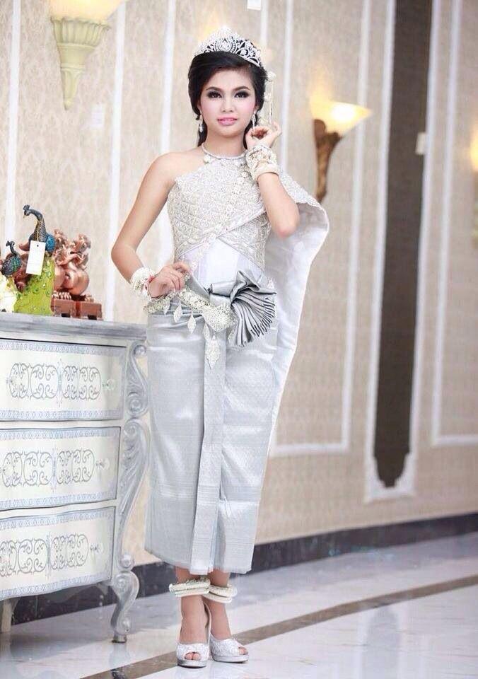 Meer Dan 1000 Ideeen Over Cambodian Wedding Dress Op Pinterest