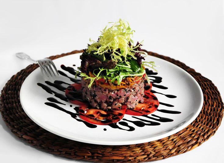 Тартар из тунца на планшете из помидоров пошаговый рецепт с фотографиями