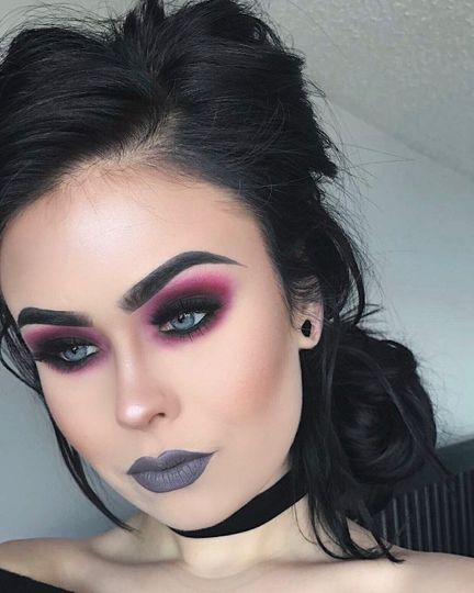 Not a big fan of the grey lips...but the eye makeup is gorgeous!
