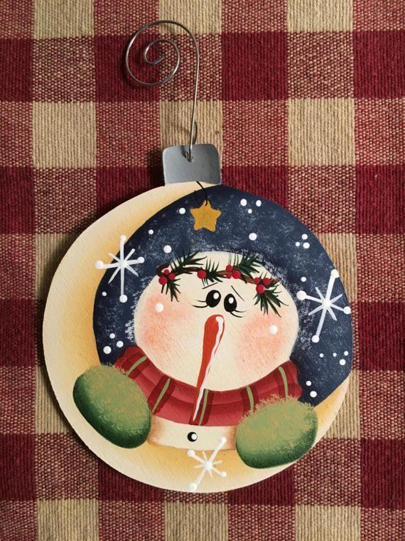 Adorable sur la lune bonhomme de neige peint à la main ...