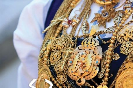 Golden necklaces. Our Lady of Agony festivities. Viana do Castelo, Portugal