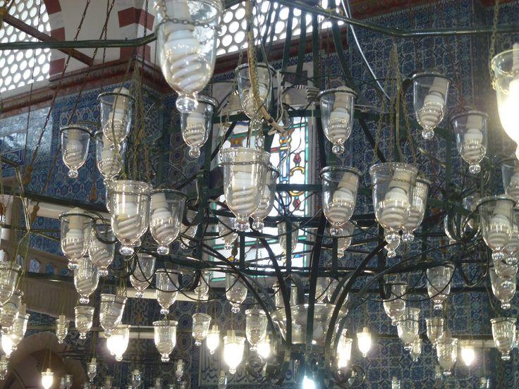 Turkey - Istanbul - Lamps inside Hagi Sofia (photo by Carla Iaconetti)