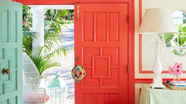 Bahamas foyer with coral front door
