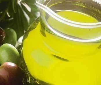 Cómo utilizar aceite de oliva para ser más bella de la noche a la mañana | eHow en Español