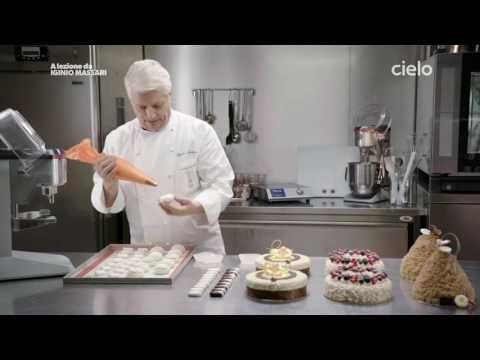A lezione da Iginio Massari | La meringa - YouTube