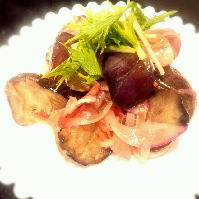 ビールに合うおつまみでーす♡(*´∀`*)♡   夏はエスニック系の味、酸っぱ辛いのも欲するんだよね~! - 31件のもぐもぐ - ♡エスニック風揚げ茄子サラダ♡ by miumiu917